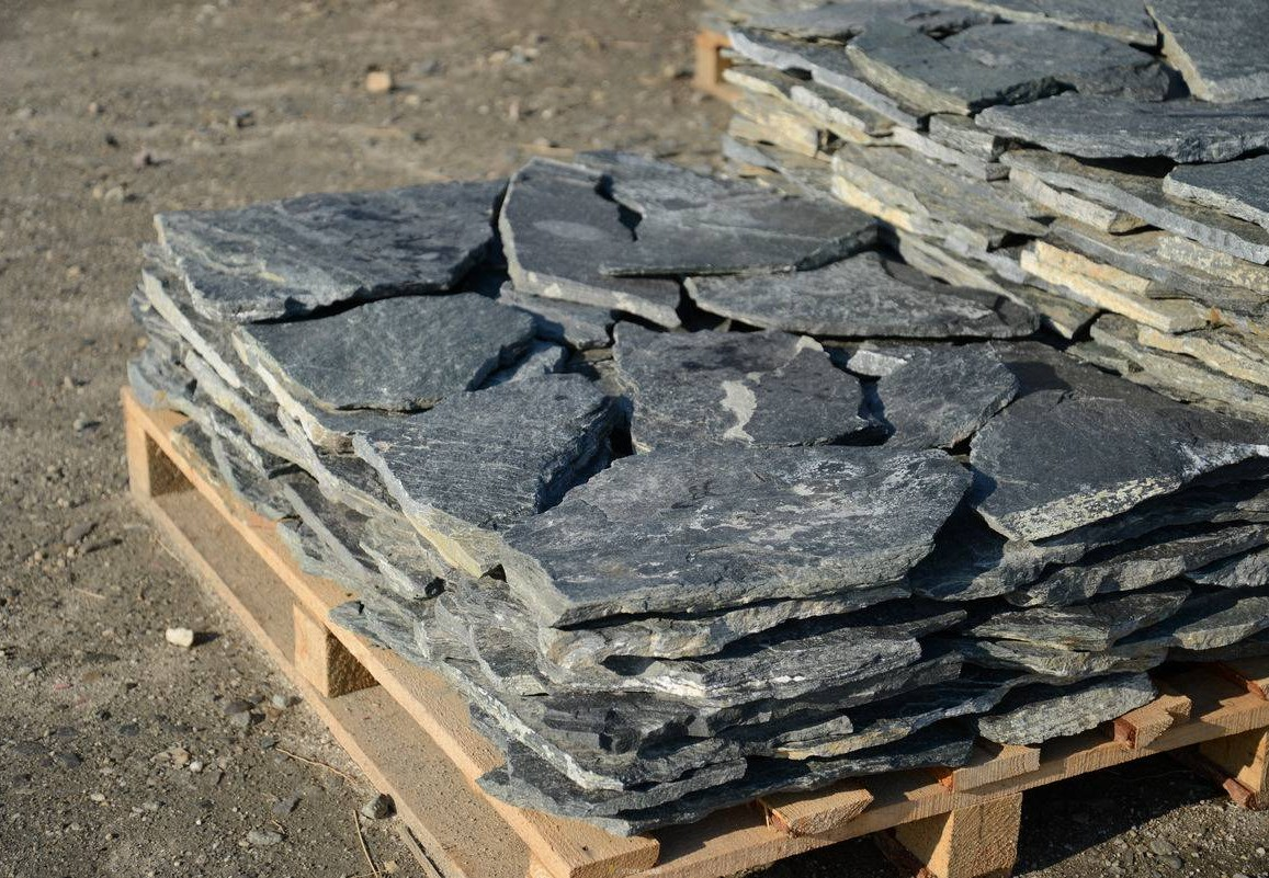 Polygonal plates Unformed Green - natural stone Gneiss