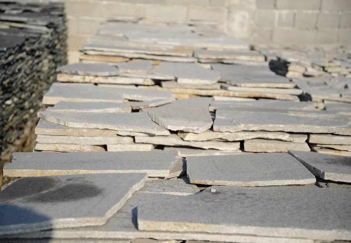 Многоъгълни плочи Неоформени Сиви - естествен камък Гнайс