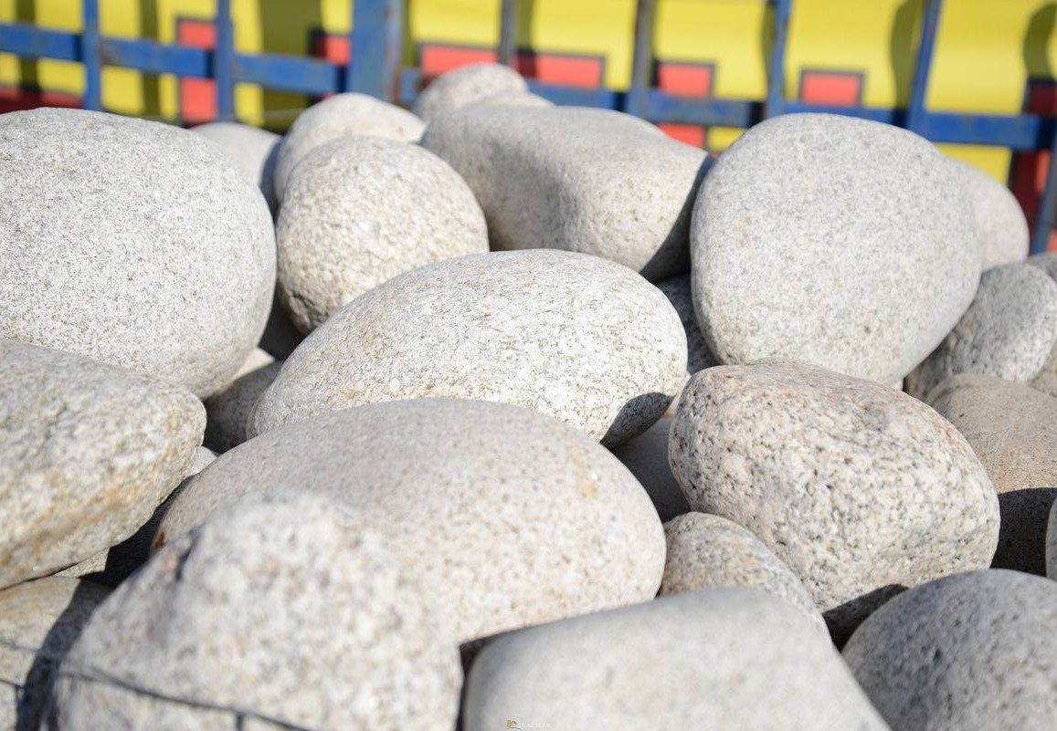 Decorative river stone