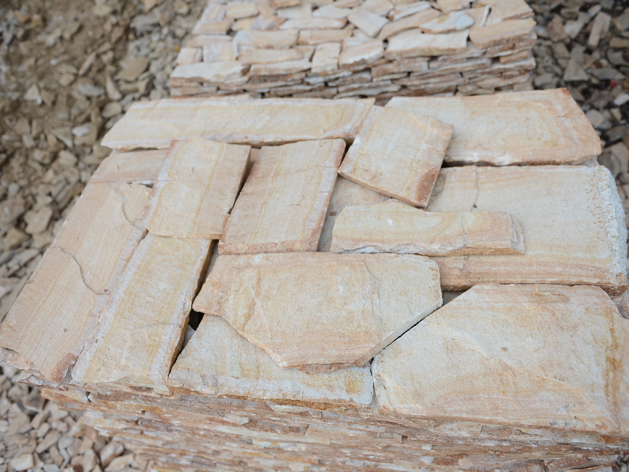 Polygonal plates Unformed Solevo - natural stone Gneiss