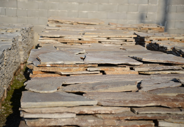 Многоъгълни плочи Неоформени Бежови - естествен камък Гнайс